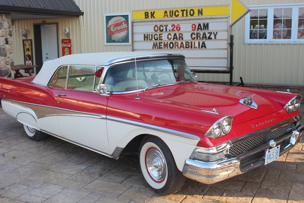 1958-Ford-Fairlane-500-Convertible-1