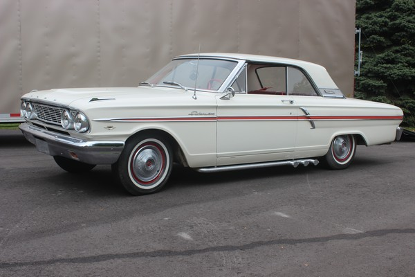 64-Ford-Fairlane-500-V8-2-Door-Hardtop-2