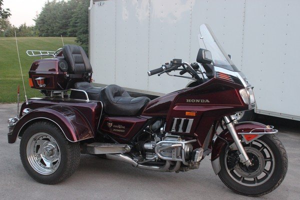 1985-honda-goldwing-trike-burgundy-001