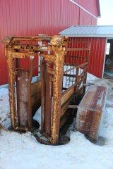 2015-bksuperauction-fa-cattle-squeeze-001.jpg