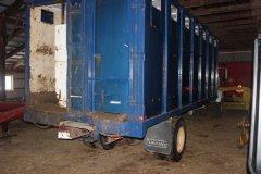 2015-bksuperauction-fa-international-cattle-truck-010.jpg