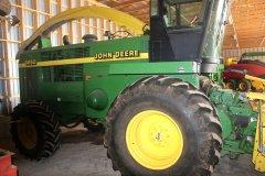 2015-bksuperauction-fa-jd-6850-forage-harvester-002.jpg
