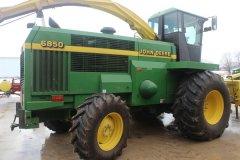 2015-bksuperauction-fa-jd-6850-forage-harvester-016.jpg