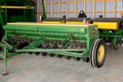 2015-bksuperauction-fa-john-deere-8350-seed-drill-001.jpg