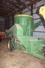 2015-bksuperauction-fa-john-deere-hammer-mill-002.jpg
