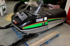 2015-bksuperauction-fa-jd-spitfire-snowmobile-001.jpg