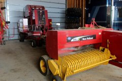 2015-bksuperauction-fa-new-holland-525-sq-bailer-001.jpg