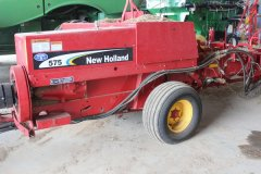 2015-bksuperauction-fa-new-holland-525-sq-bailer-003.jpg