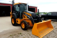 2015-bksuperauction-fa-nortrax-loader-002.jpg