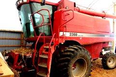 2015-bksuperauction-fa-2388-ih-combine-001.jpg