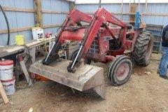 2015-bksuperauction-fa-484-ih-tractor-001.jpg