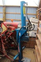 2015-bksuperauction-fa-484-ih-tractor-003.jpg